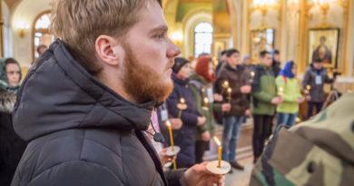 Участники Спартакиады православной молодежи помолились в Михайловском соборе