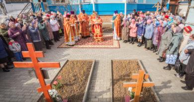 Заупокойные богослужения в день Радоницы