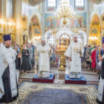 Накануне Преображения митр. Викторин помолился за богослужением в кафедральном храме