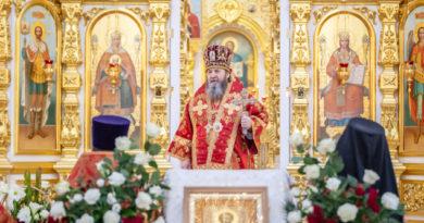 В день тезоименитства митр. Викторин совершил литургию в кафедральном храме