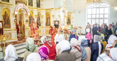 В Неделю 4-ю по Пасхе митр. Викторин посетил храм Державной иконы Божией Матери
