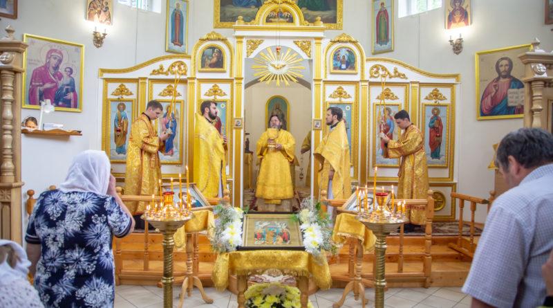 Архипастырское служение в храме Петра и Павла п. Ува