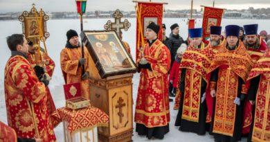 В Воткинске почтили память священномученика Николая и мученицы Варвары