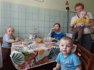 Организация «За жизнь» помогает нуждающимся семьям