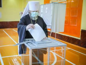 Митрополит Викторин принял участие в голосовании по поправкам в Конституцию