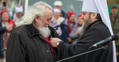 По случаю 75-летия протодиакон Михаил Атаманов награжден медалью свт. Николая Японского