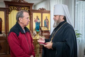 Митрополит Викторин наградил епархиальной медалью Почетного гражданина Увинского района