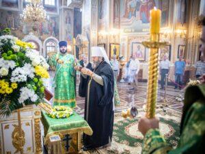 В Михаило-Архангельский собор принесена частица мощей прп. Серафима Саровского